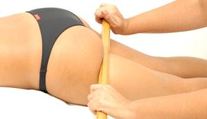 Massagem com bambu